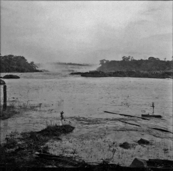 Cachoeira entre Icém e Fronteira (SP) - 1960