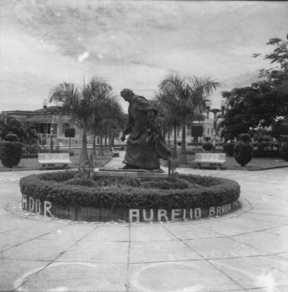 Monumento a Anchieta, homenagem dos professores de Bebedouro (SP) - 1960