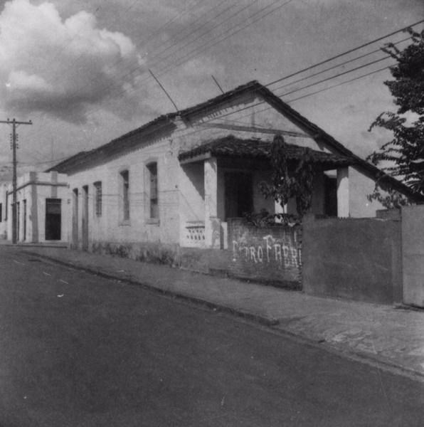 Rua Francisco Inácio : casa antiga : Município de Bebedouro (SP) - 1960