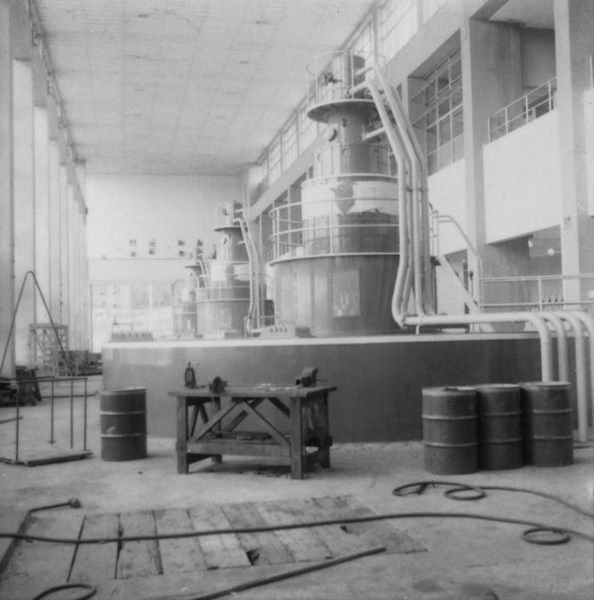 Represa de Salto Grande : casa das máquinas : geradores (SP) - 1960