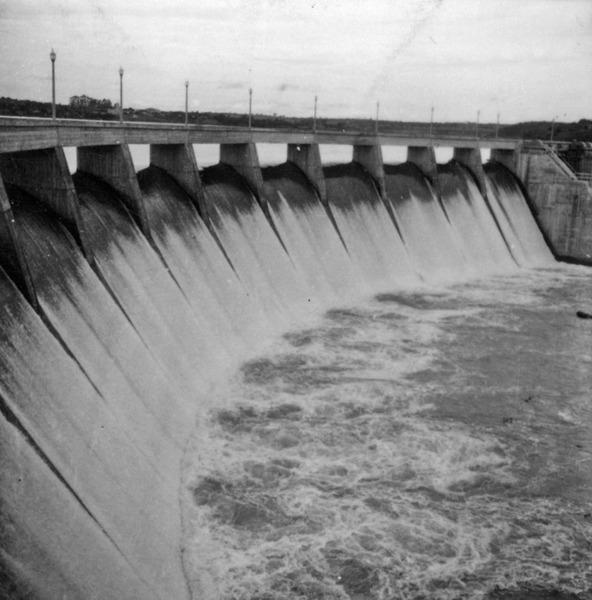 Represa de Salto Grande : vertedouro (SP) - 1960