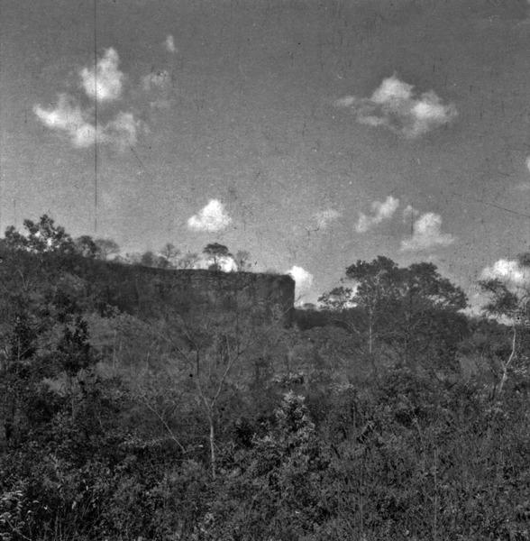 Morro do Corda com testemunho : Araguaina (TO) - [195_?]