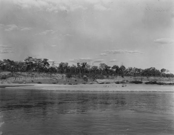 Praia no rio Tocantins em Peixe (TO) - 1953