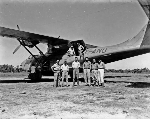 Grupo de aviadores em Pedro Afonso (TO) - 1953