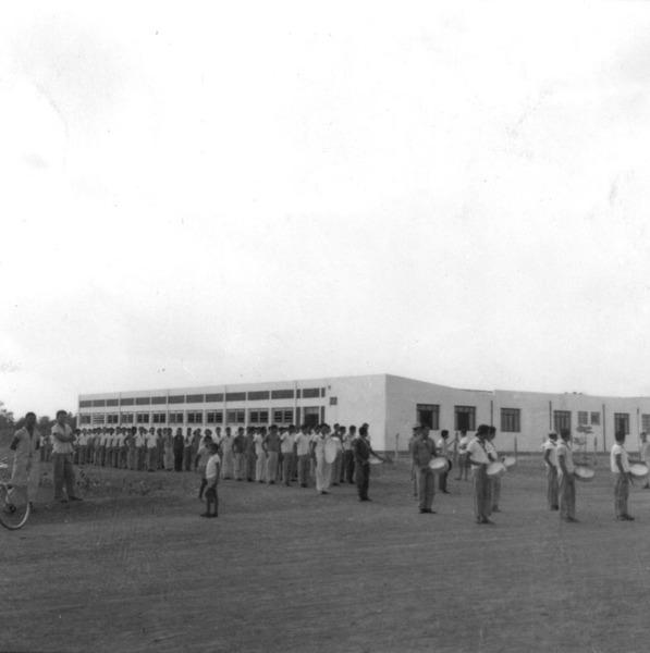 Colégio em Cristalândia (TO) - [195-?]