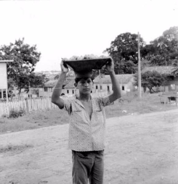 Vendedor de frutas. Tipo regional de Manaus (AM) - 1958