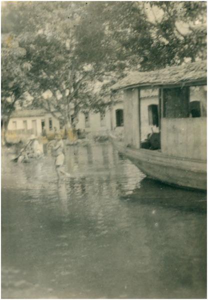 Enchente : Rua Militão Dutra : Prefeitura Municipal : Barreirinha (AM) - 1953