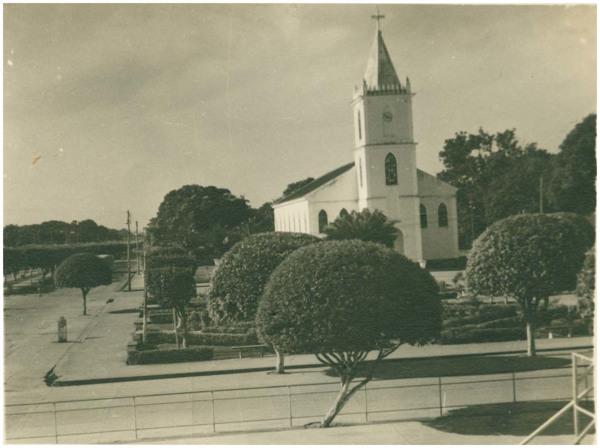 [Praça da Catedral] : Igreja Matriz de Nossa Senhora do Rosário : Itacoatiara, AM - [19--]