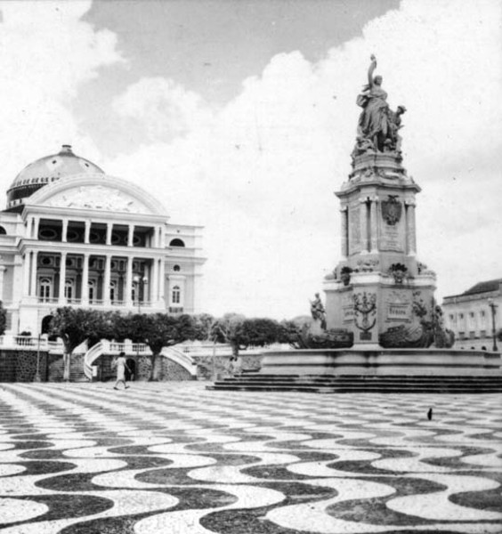 Vista do Teatro Amazonas (AM) - 1965