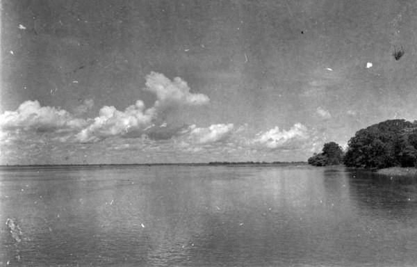 Vista do Solimões na boca de Iranduba (AM) - 1953