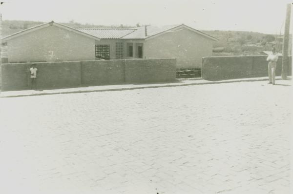 Escola Estadual Ruy Barbosa : Rua Patrícia de Queiroz : Canápolis, BA - [19--]