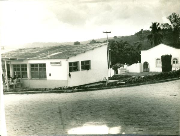 Posto médico municipal : Praça Duque de Caxias : Catu, BA - [19--]