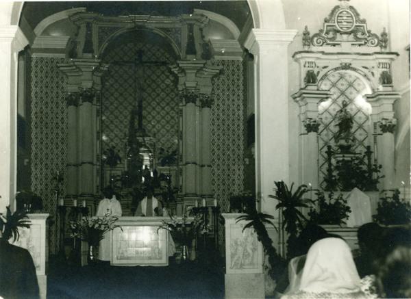 Altar da Paróquia Nossa Senhora Sant'Ana : Catu, BA - [19--]