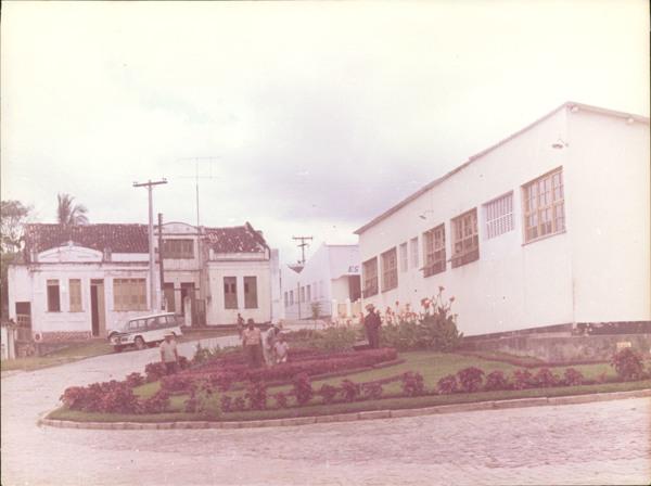 Praça Duque de Caxias : Posto médico municipal : Catu, BA - [19--]