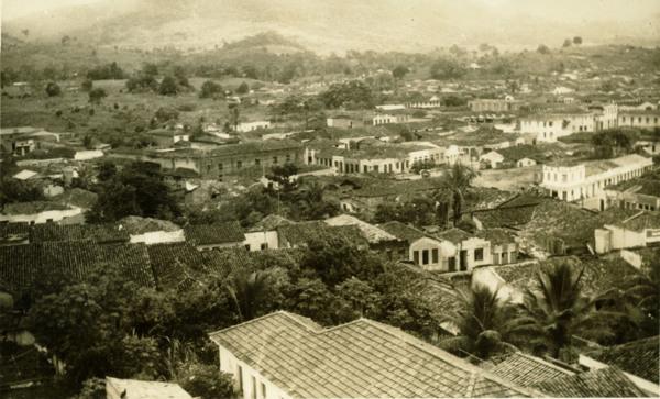 Vista parcial da cidade : Coaraci, BA - 1957