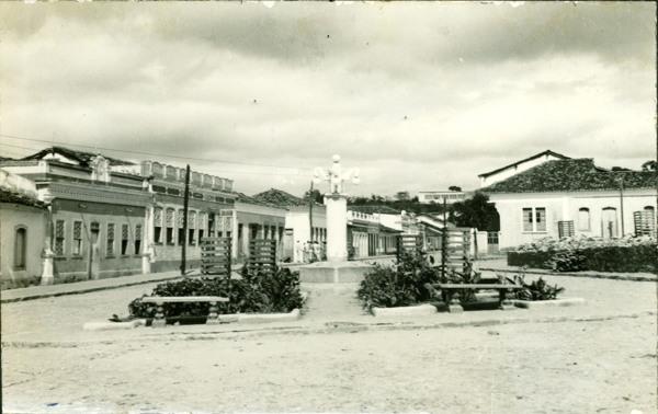 Praça Santo Antônio : Condeúba, BA - [19--]
