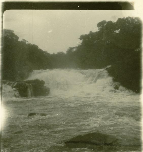 Cachoeira do Rio das Éguas : Correntina, BA - [19--]