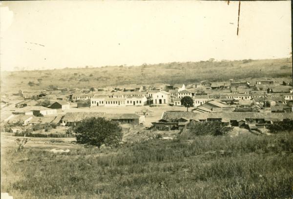 Vista parcial da cidade : Correntina, BA - [19--]