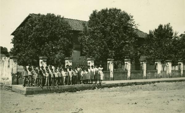 Prédio escolar : Cotegipe, BA - 1957
