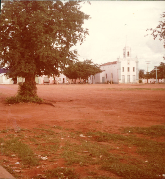 Praça São João : Paróquia de São João Batista : Dom Basílio, BA - [19--]