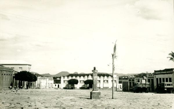 Praça Coronel Cajaíba : Guanambi, BA - 1957
