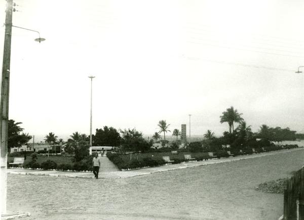 Praça Plínio Dantas de Lima : Lajedão, BA - [19--]
