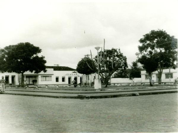 Praça Lomanto Junior : Maiquinique, BA - [19--]