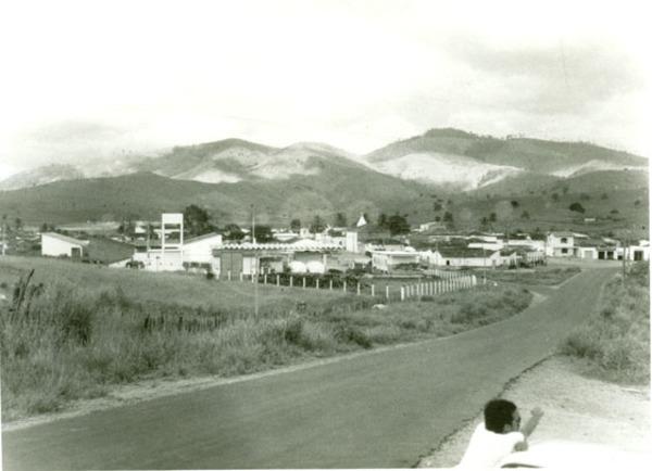 Vista parcial da cidade : Maiquinique, BA - [19--]
