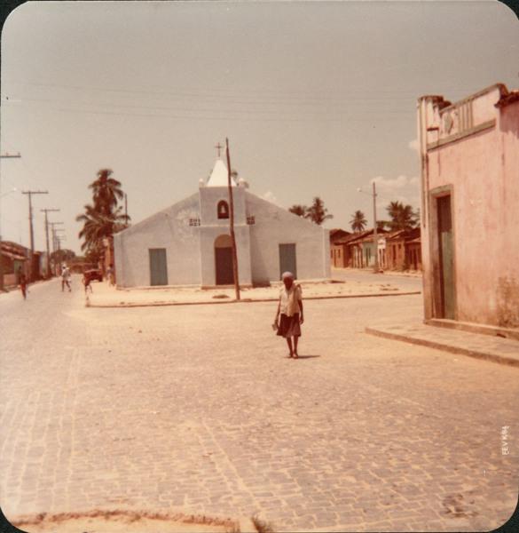 Praça do Rosário : Igreja Nossa Senhora do Rosário : Malhada, BA - 1984
