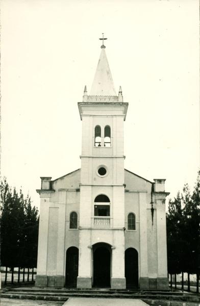 Igreja de Nossa Senhora das Graças : Maracás, BA - 1957