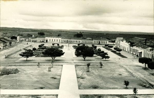 Praça Ruy Barbosa : Maracás, BA - 1957