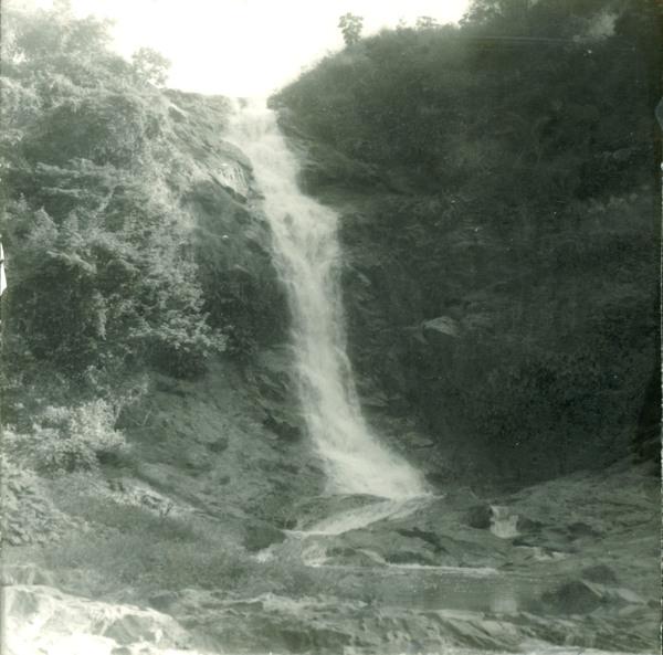 Cachoeira do Rio Quelembe : Maragogipe, BA - [19--]