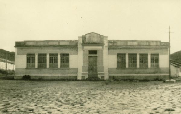 Prédio escolar : Mucugê, BA - 1957