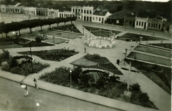 Praça Senador Cohim : Mundo Novo, BA - [19--]