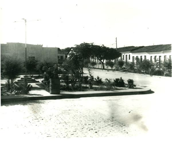 Praça da Bandeira : Ibipitanga, BA - [19--]