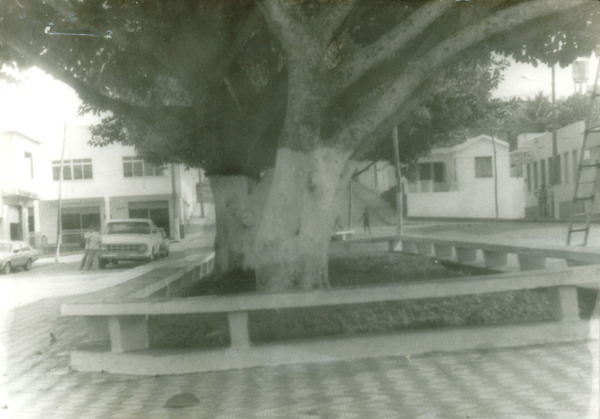 Praça Antonio Guedes : Itarantim, BA - [19--]