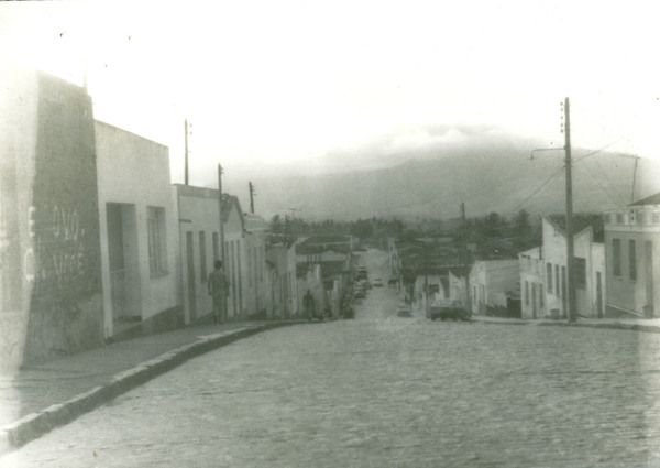 Rua Professor Estevão Araújo : Itarantim, BA - [19--]
