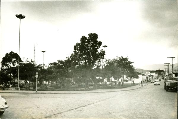 Praça Henrique Brito : Rua Manoel Novaes : Itororó, BA - [19--]