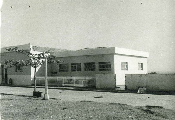 Colégio Municipal Eliza Teixeira de Moura : Palmas de Monte Alto, BA - [19--]