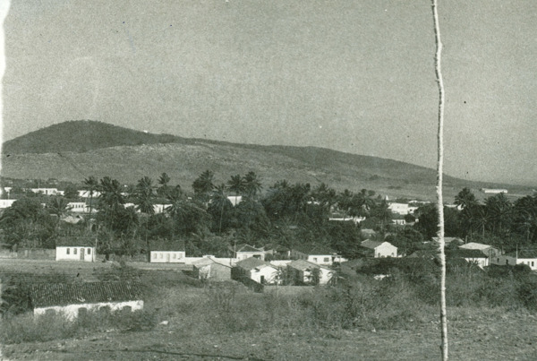 Vista panorâmica da cidade : Palmas de Monte Alto, BA - [19--]