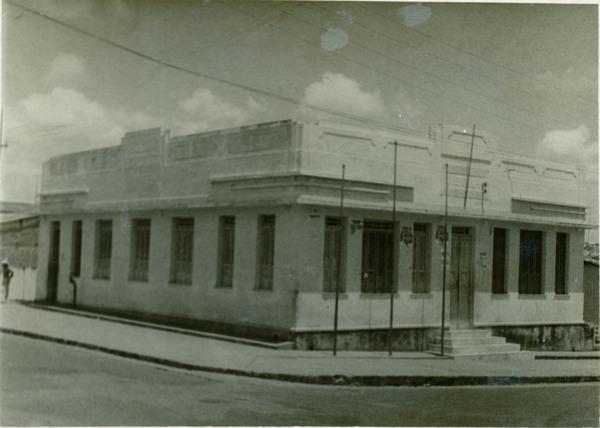 Antiga Prefeitura Municipal : Nova Soure, BA - [19--]