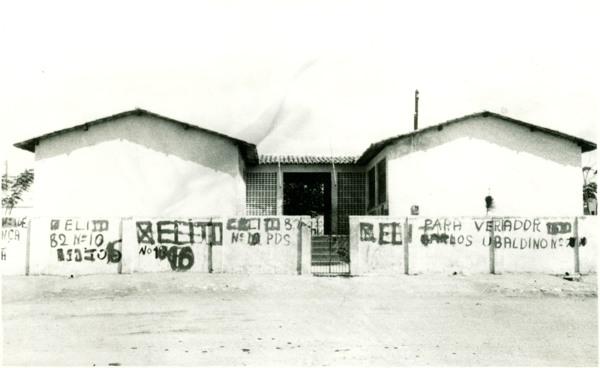 Escola Professor Roberto Santos : Olindina, BA - [19--]