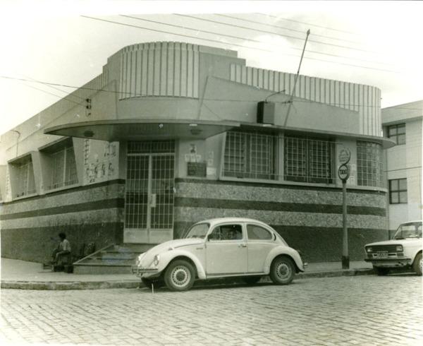 Biblioteca Pública Municipal Raimundo Meira Magalhães : Poções, BA - [19--]