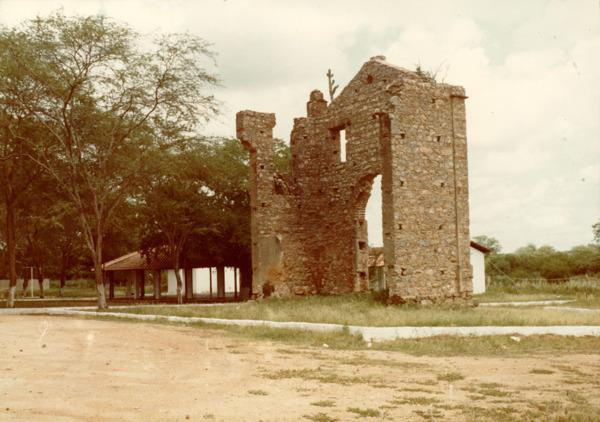 Ruínas da igreja velha : Queimadas, BA - [19--]