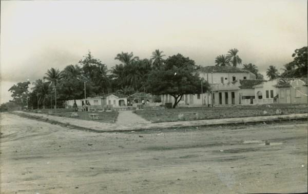 Praça 2 de Julho : Salinas da Margarida, BA - [19--]