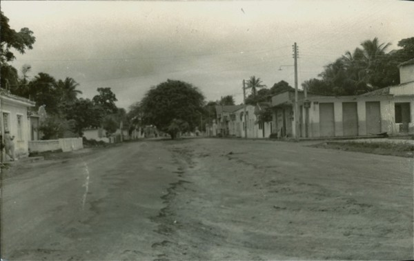 Avenida Presidente Vargas : Salinas da Margarida, BA - [19--]