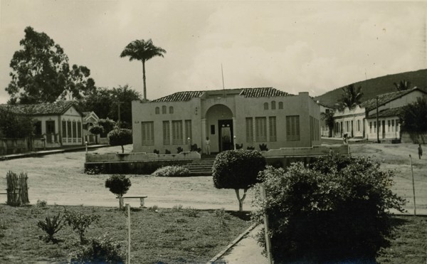 Praça da Bandeira : Prefeitura Municipal : Santa Inês, BA - 1957