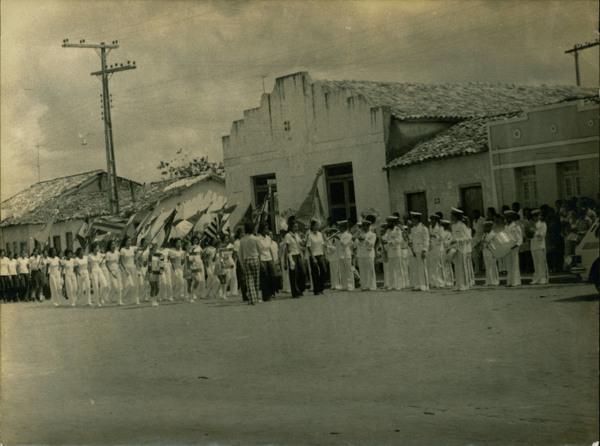 Desfile de 7 de Setembro : Santanópolis, BA - [19--]