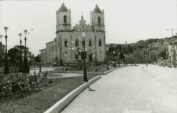 Praça da Purificação : Igreja Matriz Nossa Senhora da Purificação : Santo Amaro, BA - [19--]