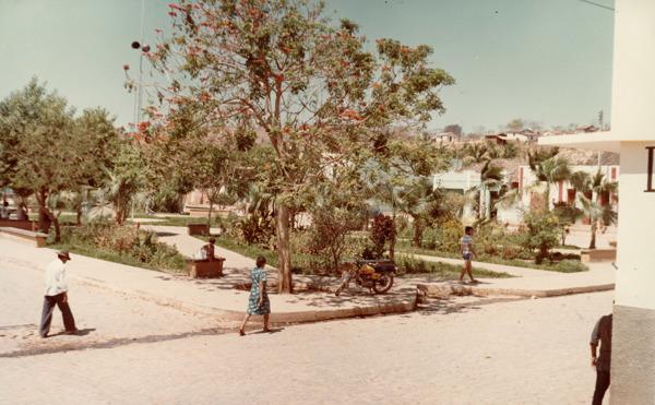 Praça Juarez Souza : São Desidério, BA - [19--]